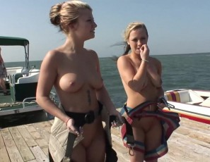 content/051113_naked_parasailing_on_spring_break/1.jpg