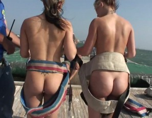 content/051113_naked_parasailing_on_spring_break/2.jpg