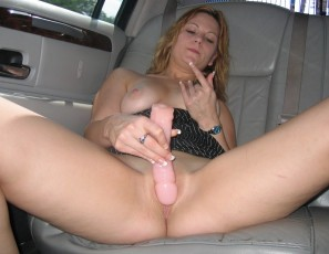 content/062715_nice_girl_flashing_on_campus_and_around_town_then_masturbating_in_limo/4.jpg